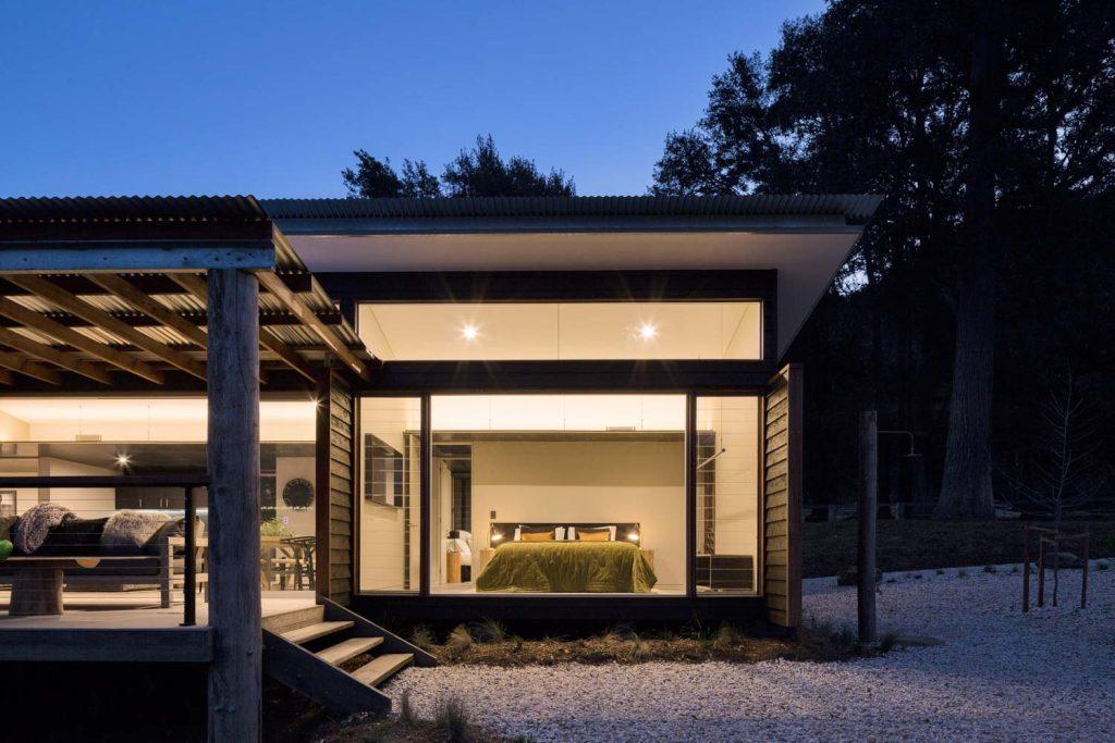 Barranca Luxury Holiday Accomodation Villa at dusk in Kangaroo Valley South Coast New South Wales